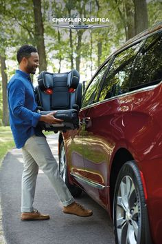 Available hands-free sliding doors means easy entry, no matter how much you have to carry. #Chrysler #ChryslerPacifica #Pacifica #vangoals #minivan #familyvan #parenthood #familylife #lovemyride #simplethings