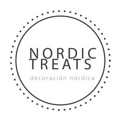 Home tour: Nórdico + color - Nordic Treats Cottage Homes, Christmas Deco, Scandinavian Style, Hygge, Interior Decorating, Sweet Home, Holiday Decor, Treats, Color