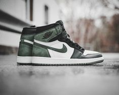b4e5e6b5c539 Air Jordan 1 Retro High OG  Clay Green