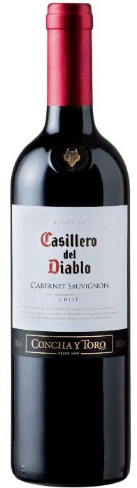 This is without a doubt both Chile and Casillero del Diablo's main wine variety. Characterized by its intense aromas of cherries, plums and hints of vanilla, it is a full-bodied wine, with delicate tannins, ideal to accompany roast red meats. Cabernet Sauvignon, Wine And Liquor Store, Cheap Wine, Wine Time, Wine And Spirits, Red Wine, White Wine, Wines, Amazing Red
