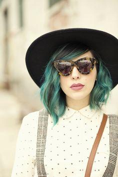 Fall Boots me encanta pero sin esos lentes!! o sii pero lentes diferentes!! :/ me encanta el look xD