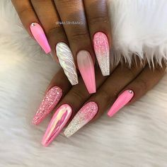 Pink nail art designs are the most popular among women. No matter how old you are, pink is the favorite color for most girls, because pink nail art designs make you look young and lively. Don't think pink will limit nail art design. Perfect Nails, Gorgeous Nails, Simple Nail Designs, Nail Art Designs, Blog Designs, Cute Nails, Pretty Nails, Unicorn Nails Designs, Unicorn Nail Art