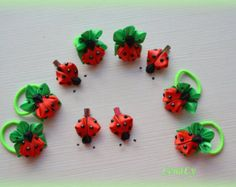 Kanzashi clips in the form of two ladybirds. Charming insects in the diameter about 5 cm are made of a satin ribbon, a metal clip cm long. Ribbon Art, Ribbon Crafts, Flower Crafts, Polymer Clay Embroidery, Ribbon Embroidery, Animal Bows, Ribbon Projects, Ribbon Sculpture, Kanzashi Flowers