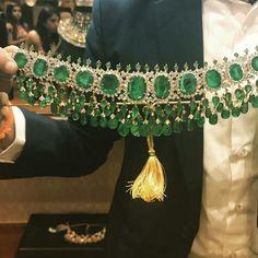 diamond necklace choker which truly are Gorgeous. Lotus Jewelry, Mom Jewelry, Emerald Jewelry, Trendy Jewelry, Wedding Jewelry, Fine Jewelry, Dimond Necklace, Pearl And Diamond Necklace, Gemstone Necklace