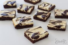 Cream Cheese Marbled Brownies - rich, fudgy, chocolaty brownies topped with swirled cream cheese are simply hard to resist. Brownie Toppings, Brownie Bar, Brownie Recipes, Dessert Recipes, Yummy Recipes, Double Chocolate Brownies, Peanut Butter Chocolate Bars, Chocolate Cups, Chocolate Cream