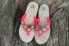 "Typical Wayuu Indian footwear called ""Wayrenas."" Handmade by a member of this tribe with a design called ""Disk"". www.colombiart.co Buy Shoes, Women's Shoes Sandals, Footwear, Indian, Handmade, Stuff To Buy, Design, Backpack, Totes"