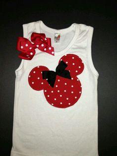 Camisola de alças vermelha e diminuta de Minnie Mouse Regata por kWilhelmina - Декор - Camisetas Sewing For Kids, Baby Sewing, Diy For Kids, Disney Outfits, Kids Outfits, Disney Shirts, Sewing Shirts, Disney Crafts, Diy Clothes