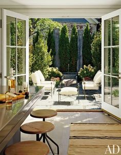 Most Simple Tips: Hexagon Patio Pavers patio layout architecture.Gravel Patio Circle patio with fire pit fun.Patio Privacy Old Windows. Patio Interior, Interior Exterior, Home Interior Design, Interior Doors, Townhouse Interior, Room Interior, Townhouse Garden, London Townhouse, Architectural Digest