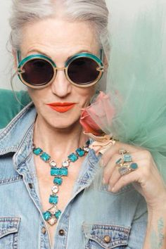 What I want to look like when I get older, aging stylishly and gracefully. LINDA RODIN - Advanced Style for Karen Walker. Glamour, Karen Walker Sunglasses, Ageless Beauty, Advanced Style, Rodin, Mode Outfits, Mannequins, Old Women, Look Fashion