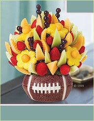 Touchdown Delight™ combines fruit and gourmet chocolate to redefine fruit. Think flowers, delicious foods and great gifts, think Fruit bouquets. Fruit Gifts, Edible Gifts, Fruit Snacks, Healthy Snacks, Healthy Eating, Healthy Recipes, Fruit Basket Delivery, Chocolate Covered Fruit, Chocolate Baskets