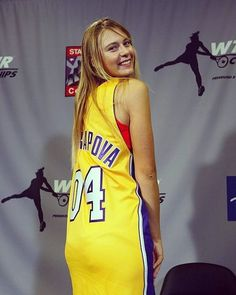 Maria Sharapova Hot, Sharapova Tennis, Yuri, Maria Sarapova, Miss And Ms, Tennis Players Female, Curvy Girl Outfits, Good Looking Women, Sporty Girls