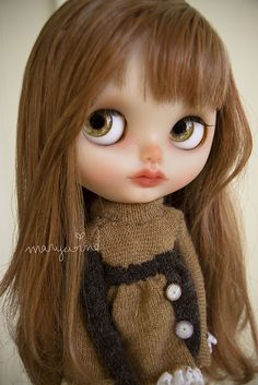 Flickr photo, I don't usually pin blythe dolls, but she is so beautiful, love the warm tones.. dollspiration