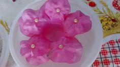 Forminha para doces de tecido, flor brinco de princesa com pérolas, tamanho de base 11 cm por 8,5cm total. Para casamentos, quinze anos e eventos