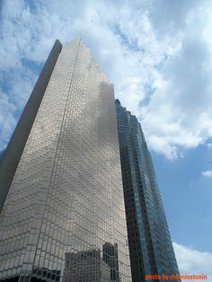 Finantial District, Toronto, Canada May 2013 photo by @Denise H. Tonin | Pinterest para Empresas #canada #toronto #nofilter