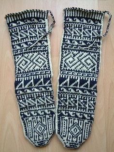 Designs from chart in Knitted Stockings from Turkish Villages by Professor Kenan Özbel. Crochet Socks, Knitting Socks, Hand Knitting, Knit Crochet, Knit Socks, Knitting Charts, Knitting Patterns, Knitting Ideas, Ravelry