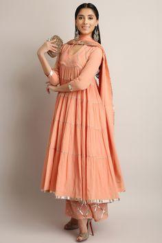 #perniaqureshi #sukritiandaakriti #peach #gotapatti #anarkali #getitnow #perniaspopupshop #shopnow #happyshopping