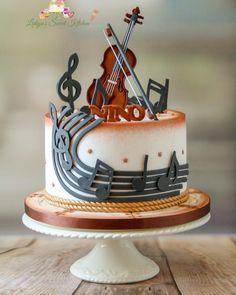 "Lidia Todorova on Instagram: ""Violin for 21st birthday 🎵🎶🎵 #cakedecorating #cake #cakesofinstagram #cakes #cakeart #caketopper #fondant #fondantcake #violin #musiccake…"""