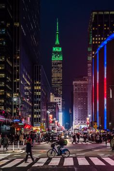 View of the Empire State Building & The Garden in Manhattan by Javan Ng @javanng #newyork