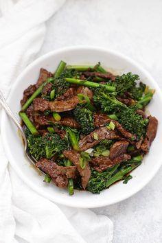 Beef & broccoli | @styleminimalism