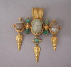 Broche pendentif | Centre de documentation des musées - Les Arts Décoratifs Maison Castellani