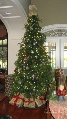 Family Room {Christmas Tour} - Our Southern Home - Leland Cypress