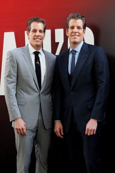 """Cameron Winklevoss and Tyler Winklevoss pose as they arrive at the world premiere of the film """"Ocean's at Alice Tully Hall in New York Oceans 8, Alice, Suit Jacket, New York, Poses, Formal, News, Fashion, Moda"""