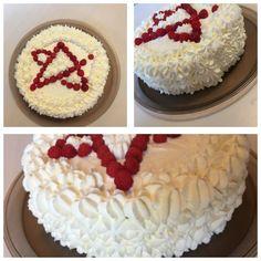 Prodigy Cake to celebrate Seppo's victory. Congratulations! Onnea Seppo voitosta! Pro Tour Pori 13.8.2017  Kermakakku välissä Metsämarjainen Piltti ja kermaa, koristevadelmat Littoisten puutarhasta