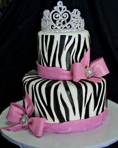 This would be a great cake for any occassion.  Hmmm which one of my neices has a birthday coming up???
