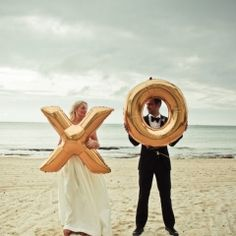 Couple Portraits,beach,gold,photo,photography,girl,glow,golden,that,wedding,Key West,Florida