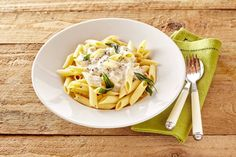 Cheese are pasta are two best friends. Penne Pasta, Creme Fraiche, Creamy Sauce, Mozzarella, Gourmet Recipes, Parmesan, Risotto, Macaroni And Cheese, Food To Make