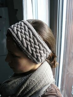 The Woven Home: Knitting Projects: Cabled Headband
