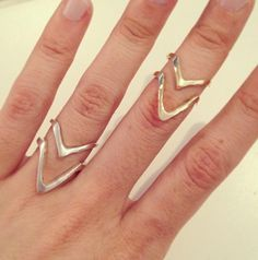 Double-V Ring