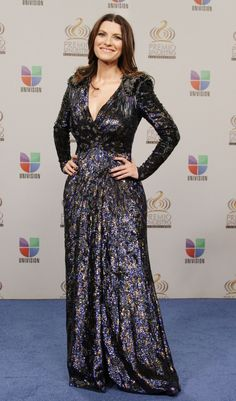 Helen Mirren, Awards, Street Style, Lp, Dresses, Fashion, Life Changing Quotes, Long Sleeve Dresses, Ballroom Gowns