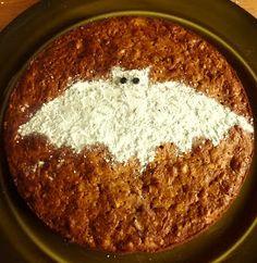 Deze taart is zo lekker dat hij dezelfde dag vaak helemaal op is. Gelukkig hebben we dit jaar heel veel pompoenen. Ik zal hem dan ook regel...