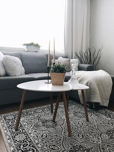 Scandivian interior, living room, Vallila matto, white and gray, Finnish home