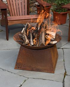 Wood-Burning Fire Pit Delights in All Seasons