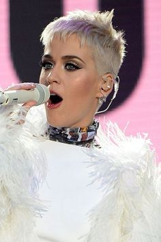 Katy Perry Short Hair: Blonde Pixie Crop | Glamour UK