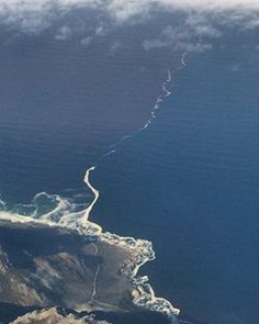 """What you see is where and how the Indian and Atlantic oceans meet at """"Cape… Atlantic Ocean, Pacific Ocean, Two Oceans Meet, Miracles Of Quran, South Afrika, Trail Of Tears, Cape Town South Africa, Islamic Pictures, Sea And Ocean"""