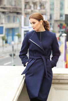 #yokkoinspiration #yokkothefashionstore #jackets #fallwinter2015 #yokkoromania #fw15 #onlineshopping #fashion #madeinromania #outfit #feminity #instafashion Smart Coat, Fall Winter 2015, Cold Day, Quilted Jacket, Coats, Clothes For Women, Outfit, Jackets, Fashion