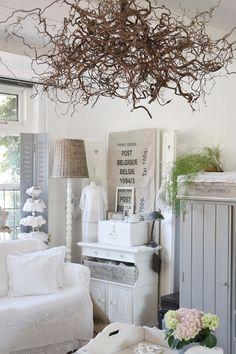 #Binnenkijken bij Nelleke. #interieur #brocante- The white is really pretty!