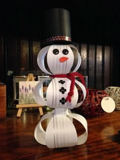 adorable 3-D snowman made with Gift Bow Die and stamped in Gorgeous Grunge with Metallic Silver Ink.