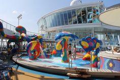 Oasis of The Seas pool