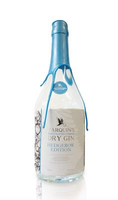 This was such a nice gin, I'm so gutted it's limited edition :( Tarquin's Cornish Gin, Limited Hedgerow Edition. Bottle Packaging, Brand Packaging, Gin Foundry, Gins Of The World, Spirit Drink, Gin Brands, Bottle Design, Glass Design, Graphic Design
