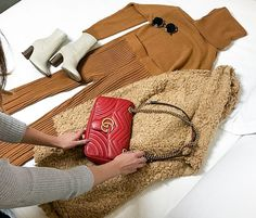 Gifts For Friends, Burlap, Reusable Tote Bags, Fashion, Presents For Friends, Moda, Hessian Fabric, Fasion, Trendy Fashion