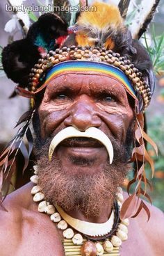 Munjika tribe. Mt Hagen, Papua New Guinea.  Photographer: John Banagan