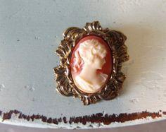 Gold cameo brooch