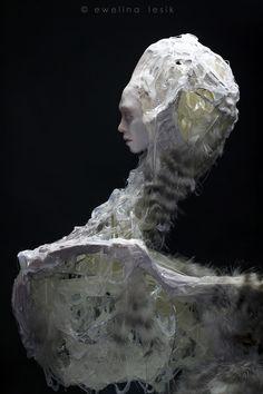 https://ewelinalesik.wordpress.com/rzezba-sculpture/narcyz-narcissus/
