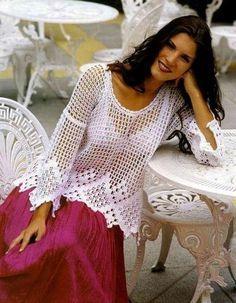 É para ficar linda, é para ficar elegante, é para chegar e arrasar, usando roupas de crochê é claro. Bom crochê para todos.                 ...
