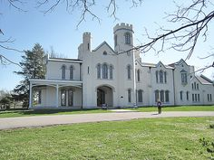 Loudoun House in Lexington, KY., built in 1852 from plans drawn by Alexander Jackson Davis.  This is a great castellated villa, a junior version of Lyndhurst in NY.