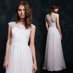 12fb0f62ddb6 Svatební šaty z krajky s elastickou tylovou sukní   Zboží prodejce Dyona